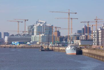 Liebherr puts 25 tower cranes to work on the Überseequartier project in Hamburg
