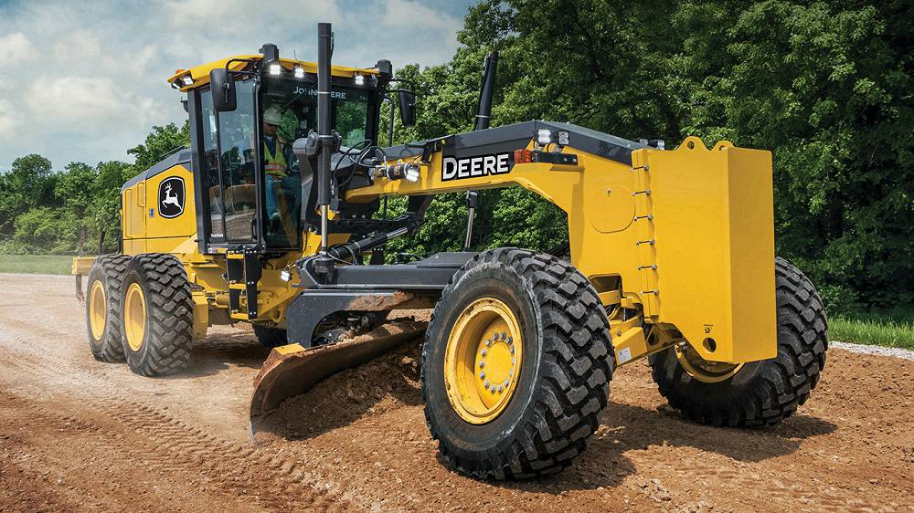 John Deere enhances GP-Series Motor Graders with exclusive features