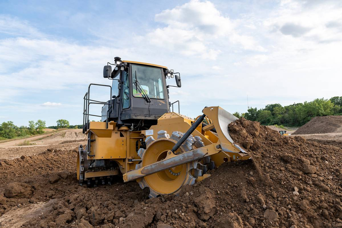Cat 815 Soil Compactor upgraded with advanced technology