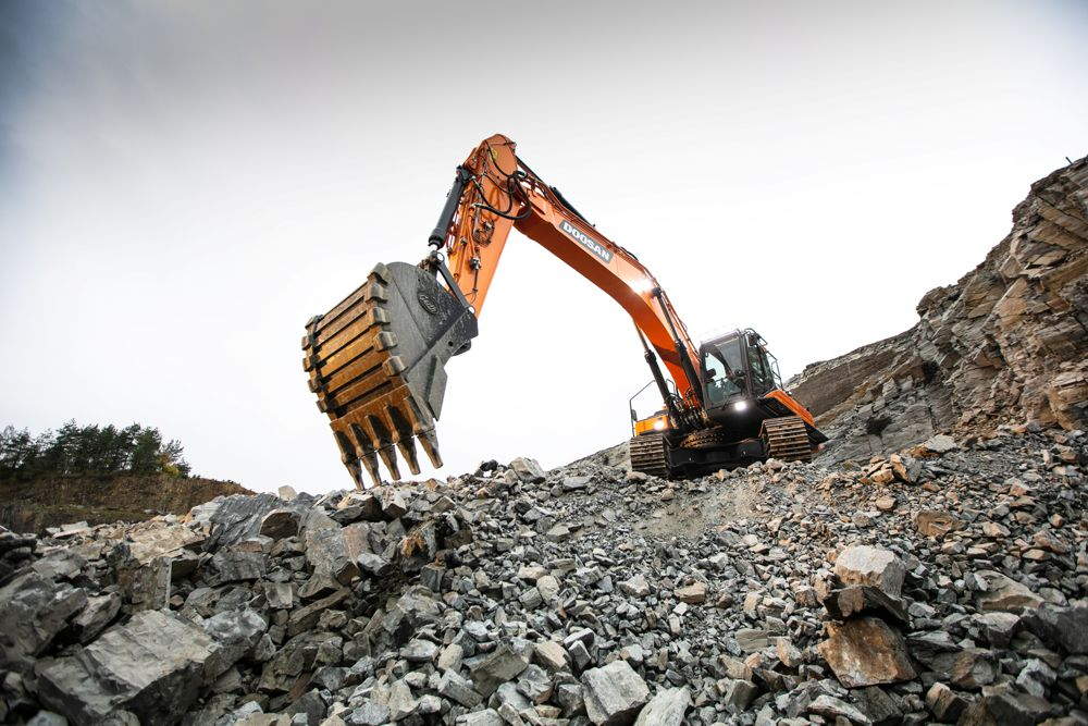 Doosan's rock solid DX350LC-7 Excavator gets to work in Czech Quarry