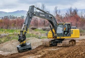 John Deere announces Global Preferred Supplier Agreement with engcon for tiltrotators