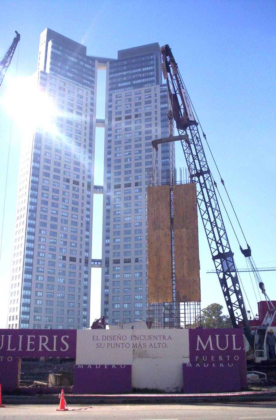 Pilotes Trevi celebrates the Mulieris Towers project in Argentina