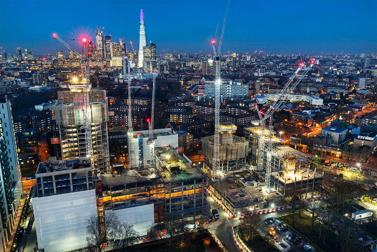 For the first time, DokaXact was used in the third phase of Lendlease's Elephant Park in Central London. It included a 25-storey and 81m high residential building.