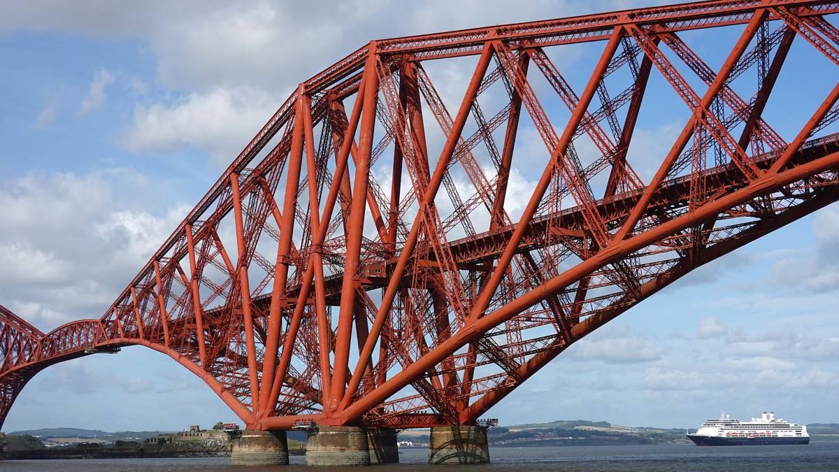 The British bridges built by innovation