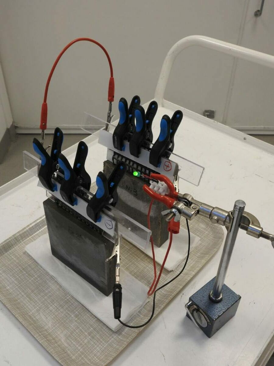 Chalmers University of Technology developing rechargeable cement-based batteries