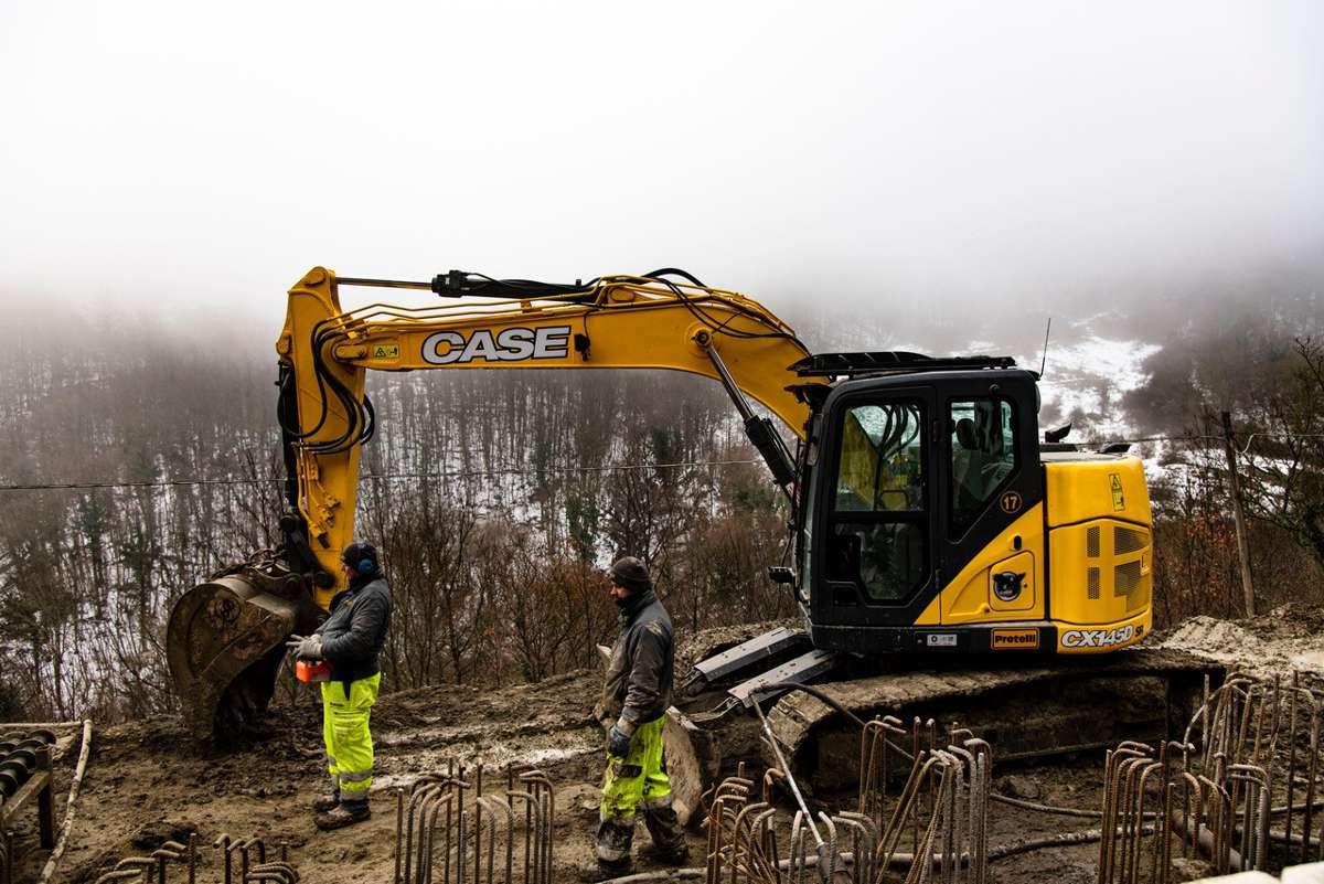 CASE excavators rectify landslide damage at Bocca Trabaria in Italy