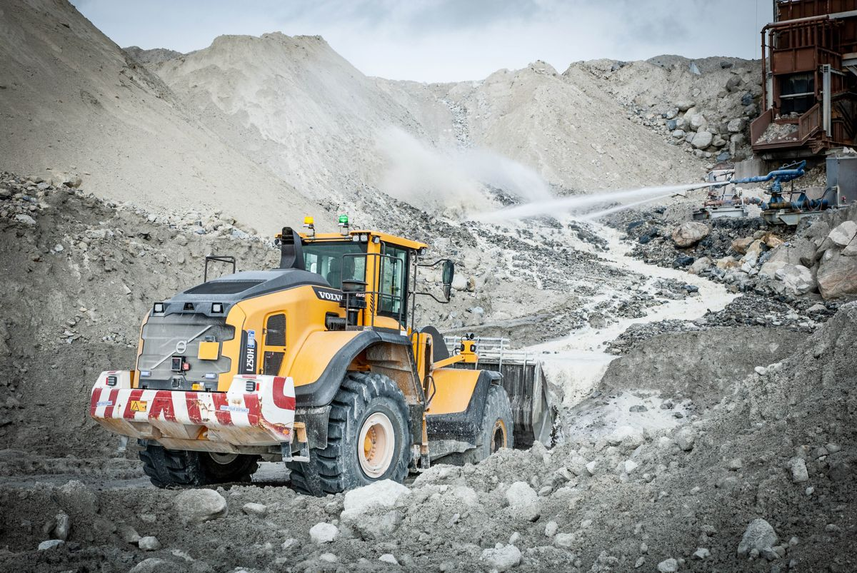 Chepstow Plant orders 52 haulers, 12 loaders and 7 excavators from Volvo