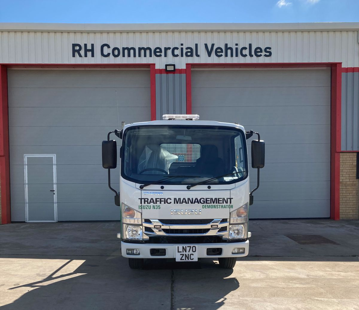 RH Commercial Vehicles opens 2nd Isuzu Truck dealership in England