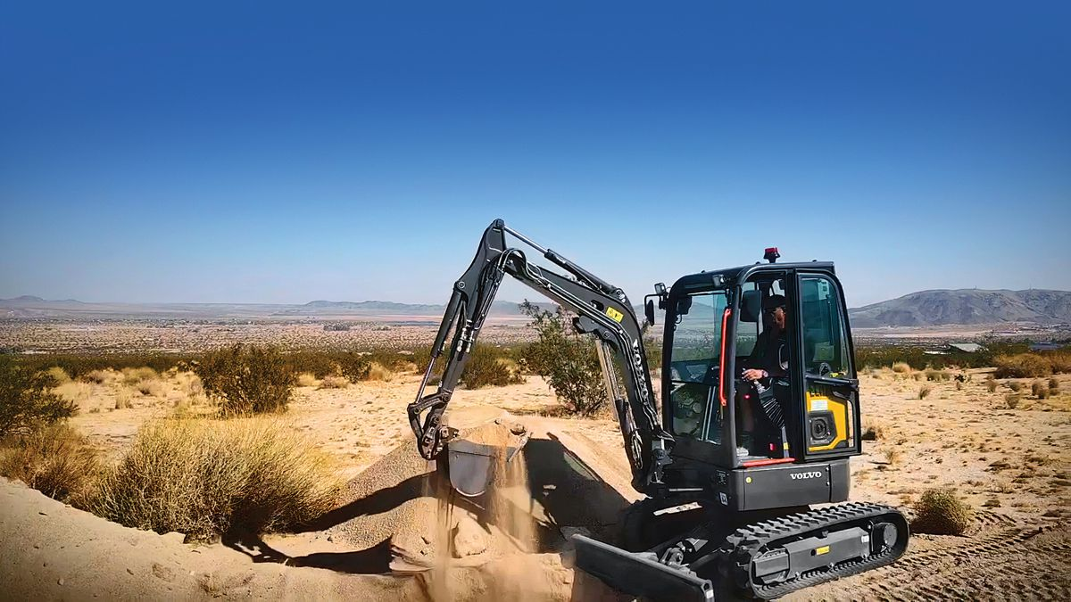 VolvoCE electric construction equipment put to the test in the Californian desert
