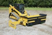 Road Widener FH-R attachment reducesmaintenance by 90 percent