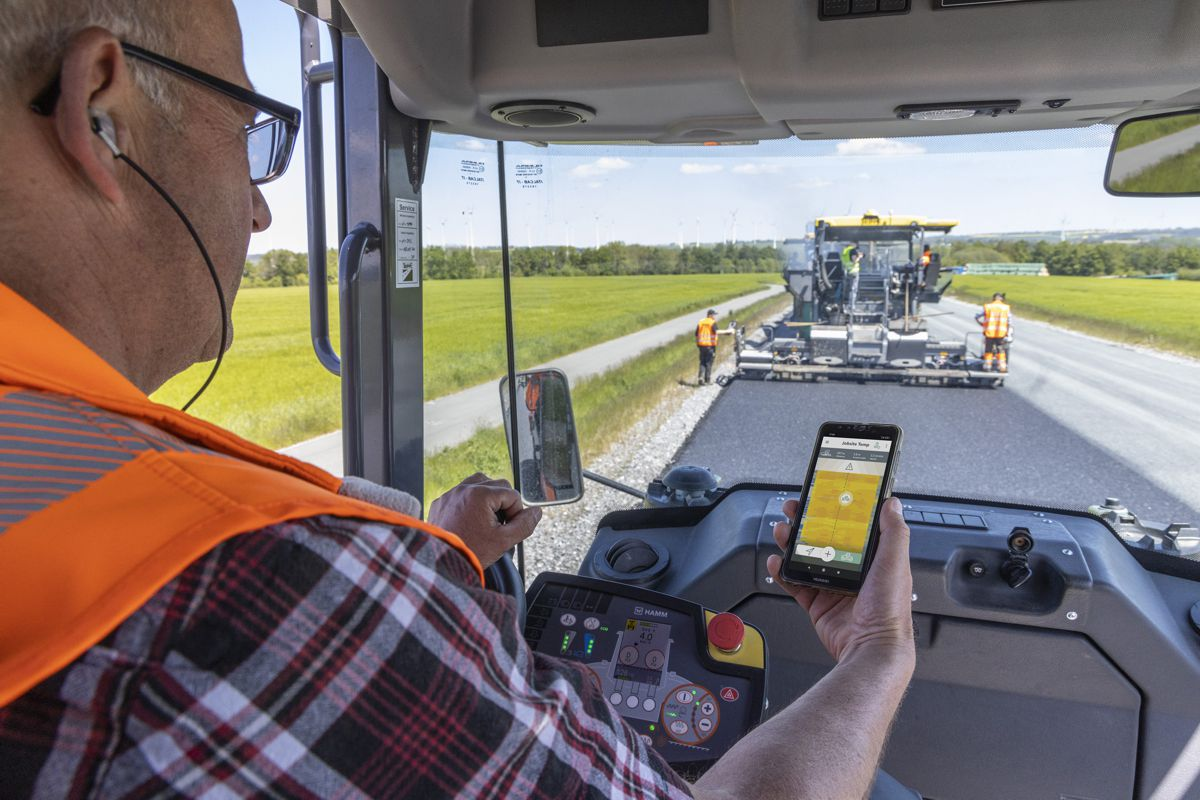 VÖGELE paves the way for Digital Road Construction