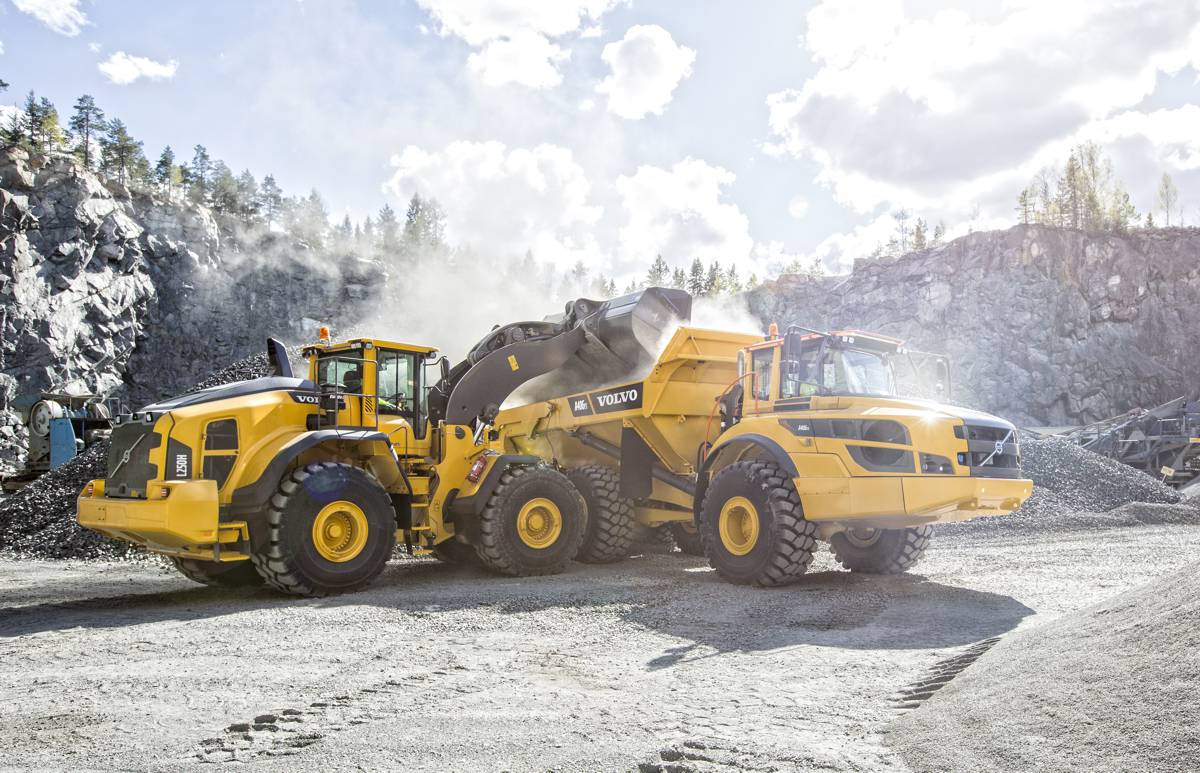 VolvoCE wins EquipmentWatch Highest Retained Value and Lowest Cost of Ownership Awards