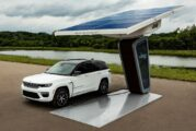 Jeep reveals first images of 2022 electric Jeep Grand Cherokee 4xe