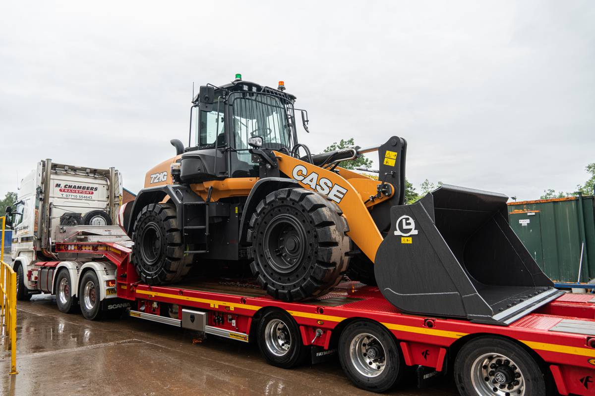 Warwick Ward takes on first New CASE 721G Wheel Loader in Great Britain