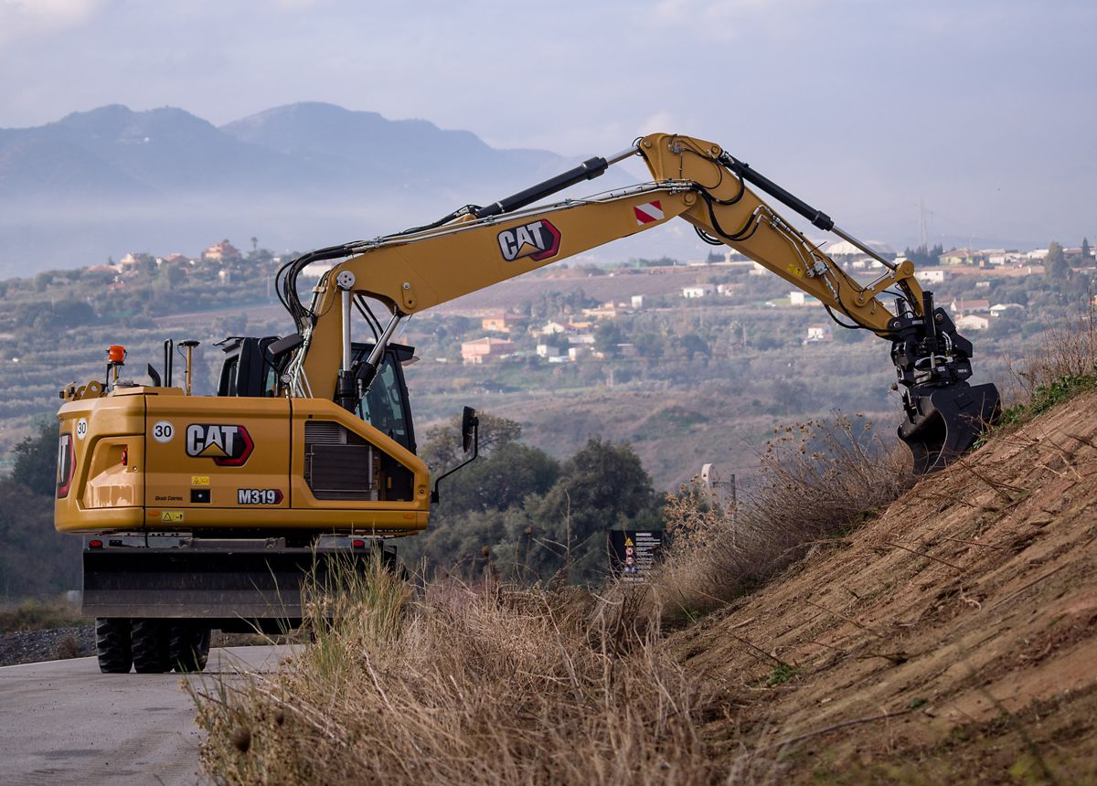 Cat's new M319 Wheeled Excavator features a compact front and tail swing design
