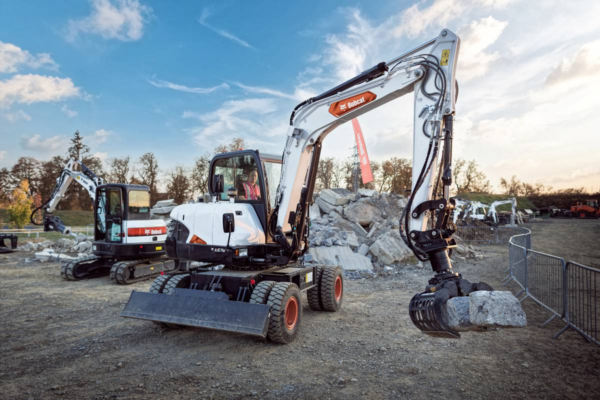 Bobcat's new 6 tonne Wheeled Excavators feature Stage V Engines