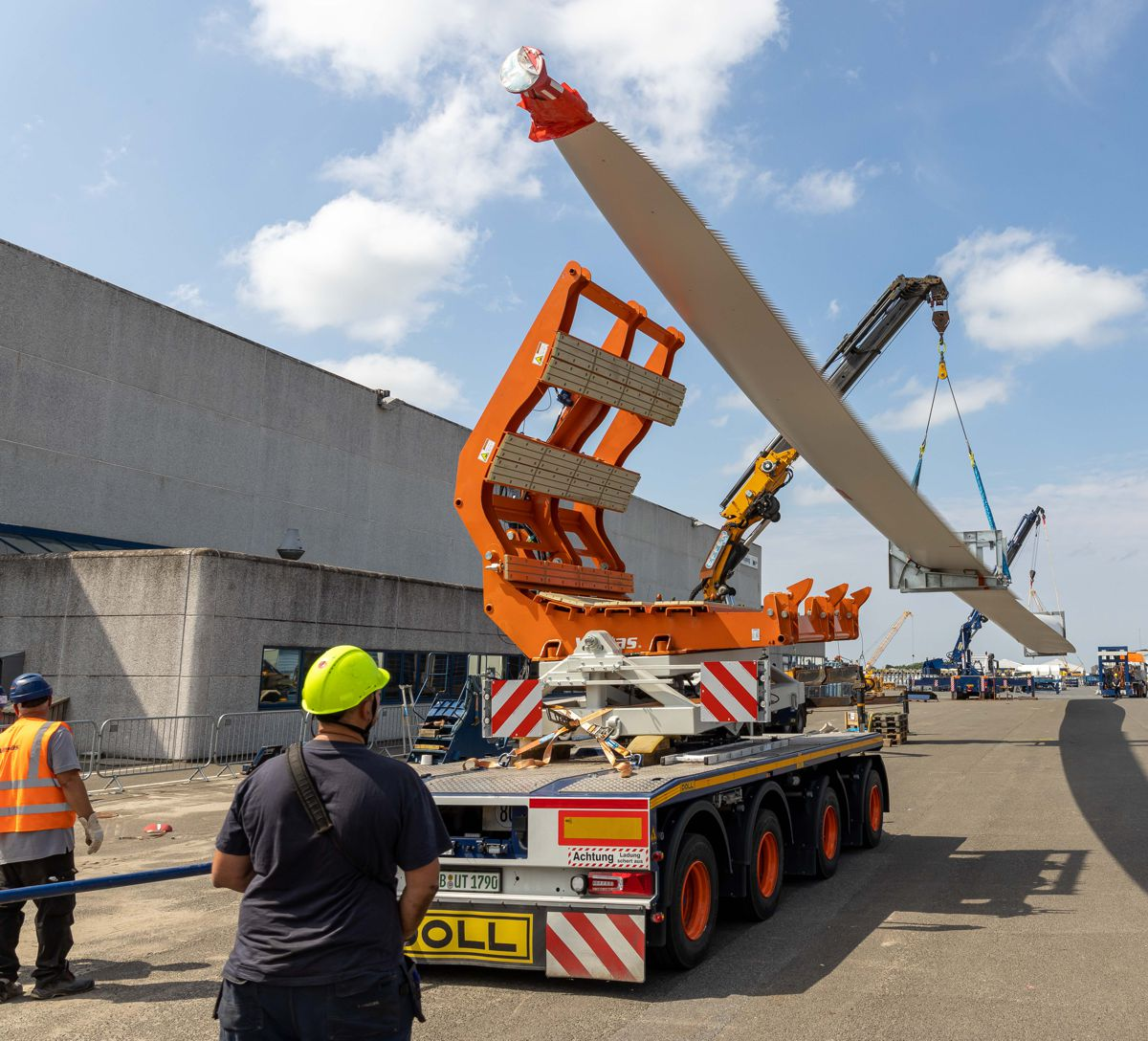 DOLL wind blade transport system approved by all the major wind turbine manufacturers