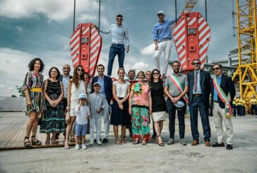 Liebherr Smart Support boosts high-top crane production