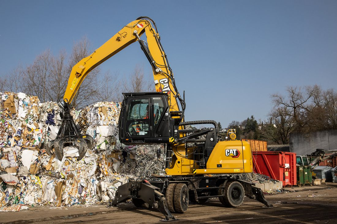 New Cat MH3022 and MH3024 Material Handlers feature improved cycle times