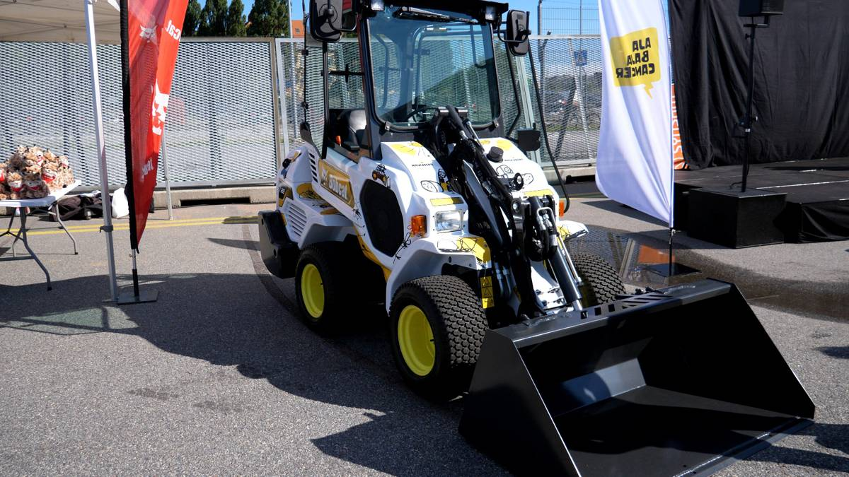 Ramirent wins Charity Auction for Bobcat L28 Loader to Support Child Cancer Patients