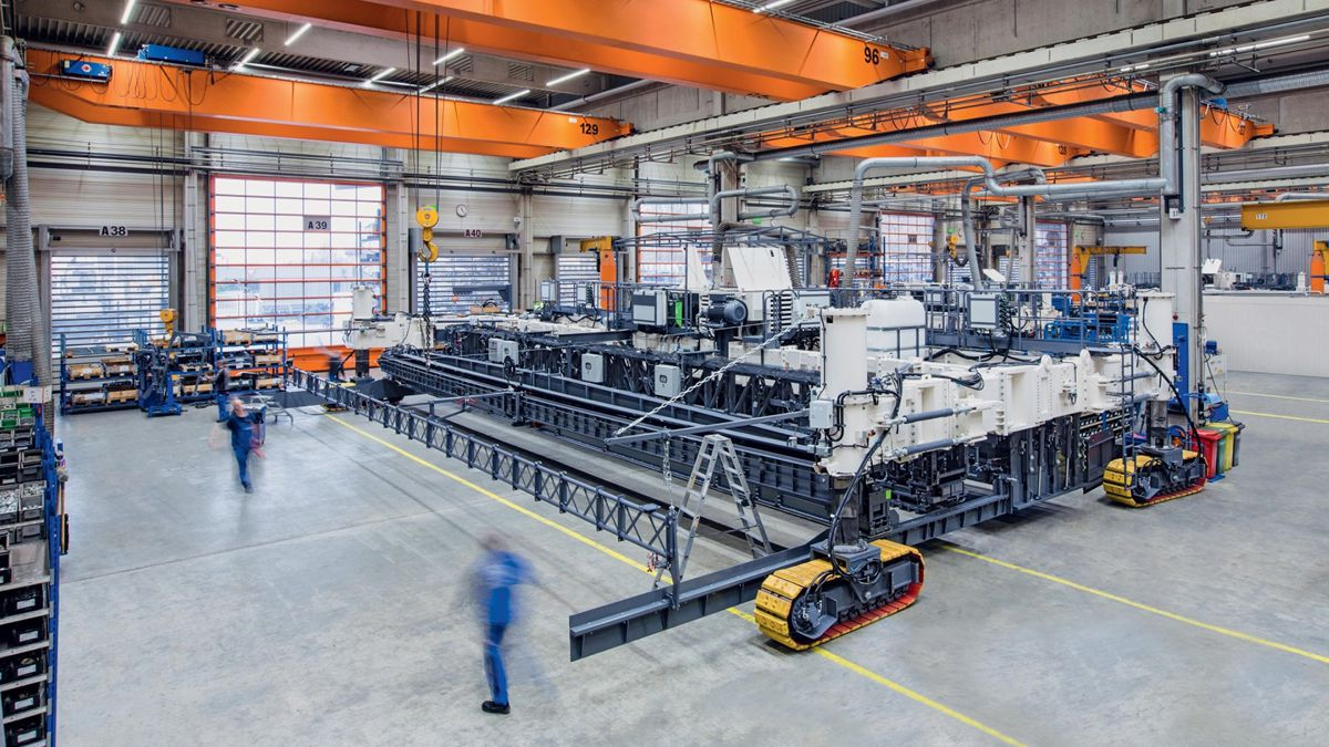 Dr Michael Engels, Team leader R&D slipform paving, Wirtgen GmbH, said: 'The modified paver is now capable of paving at a width of 18.75 metres. In addition, we also ex-tended the TCM 180 texture curing machine to this width.'