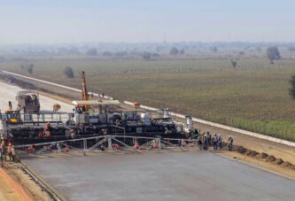 Wirtgen sets World records with SP 1600 concrete slipform paver in India