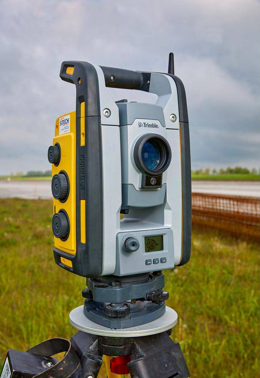Trimble tachymeters are able to turn very quickly, thanks to the non-wearing magnetic drive.