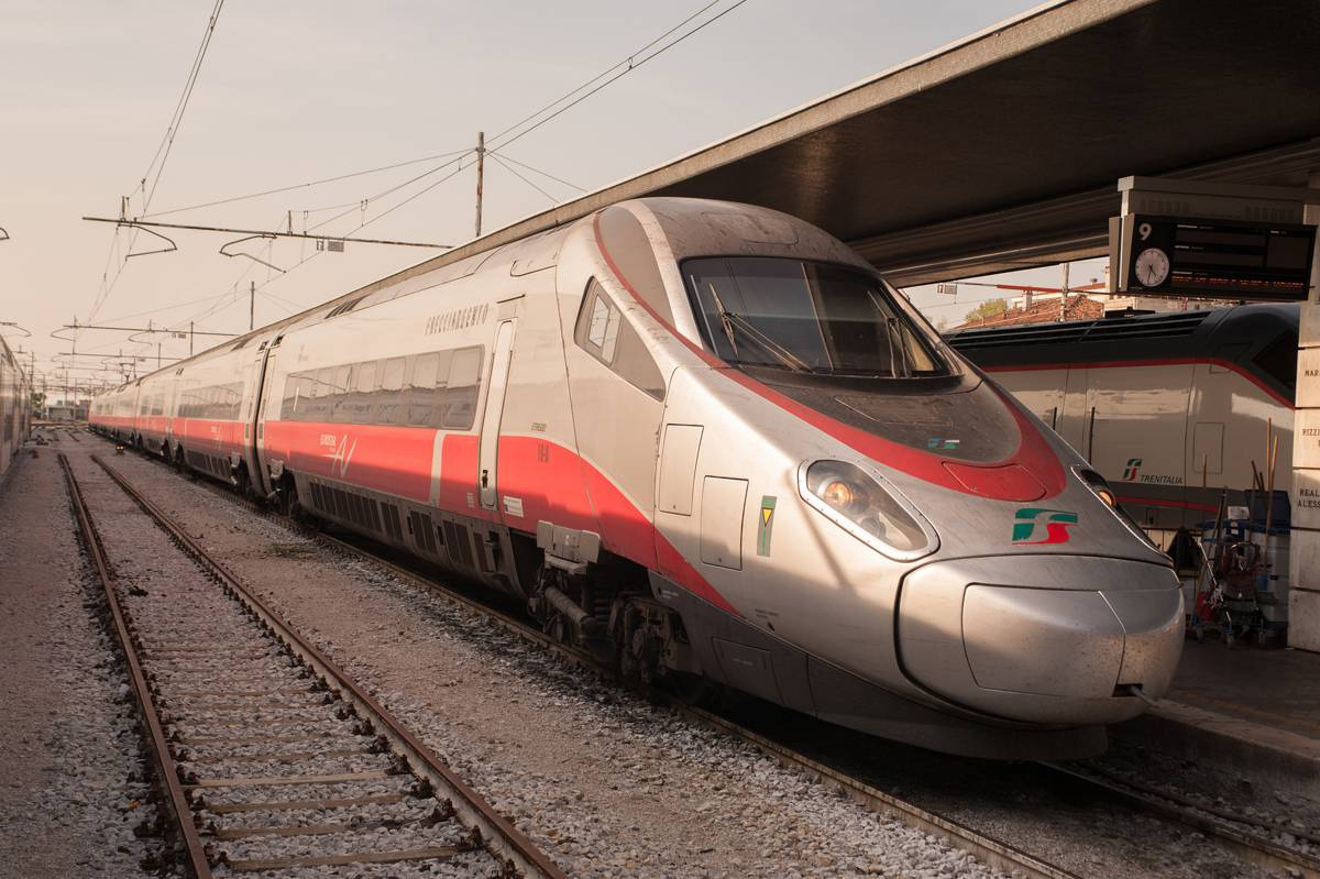 AECOM set to develop hydrogen-powered railway in Central Italy