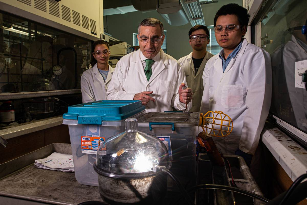 Breakthrough turns waste into Graphene in a flash
