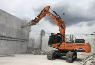 Doosan adds new Demolition Excavator model