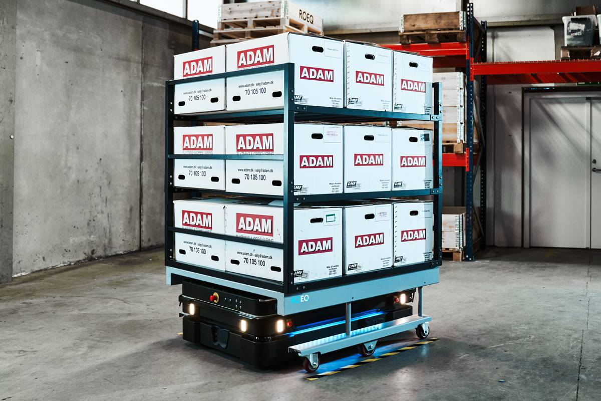 Autonomous ROEQ Mobile Robots boost payload and lifting capabilities
