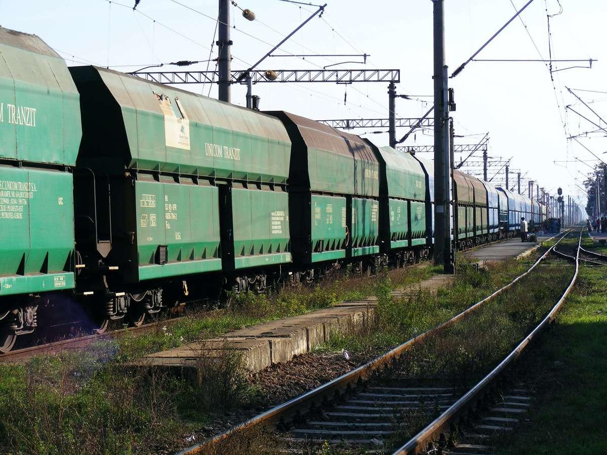 Rio Tinto to manufacture iron ore rail cars in Western Australia